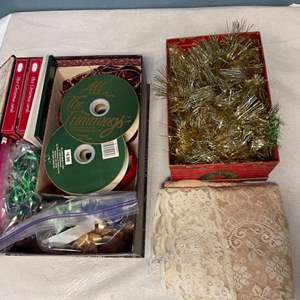 Lot # 141 Lot of Christmas Decorations