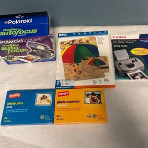 Lot # 147 Polaroid Instant Camera and Lot of Gloss/ Photo Paper