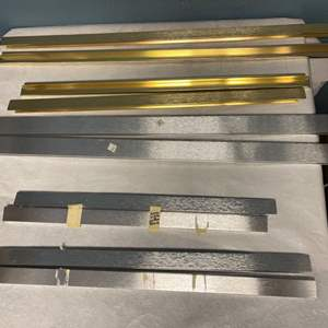 Lot # 169 Lot of Gold and Silver Toned Picture Frames