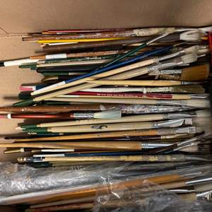 Lot # 249 Lot of Paintbrushes
