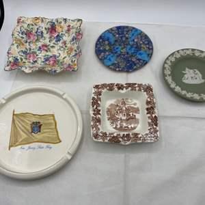 Lot # 261 Lot of Decorative Ashtrays