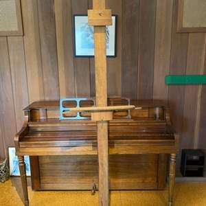 Lot # 11 Wood Art Easel