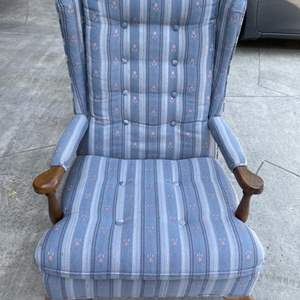 Lot # 27 Vintage Floral Pattern Arm Chair