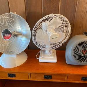 Lot # 32 Lot of Fans (One Has Heat Feature)
