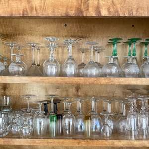 Lot # 120 Wine Glass Set - Green Accents