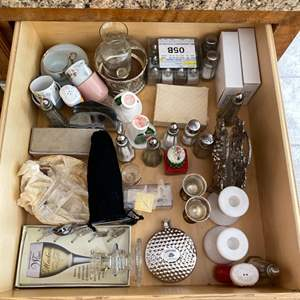 Lot # 122 Lot of Kitchen Condiments and Miscellaneous Decors