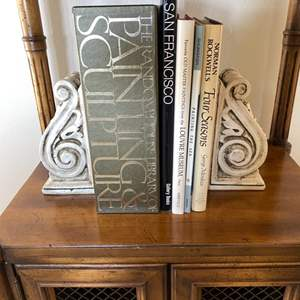 Lot # 131 Lot of Art and Sculpture Books with Bookends