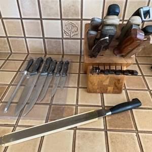 Lot # 146 Lot of Kitchen Knives