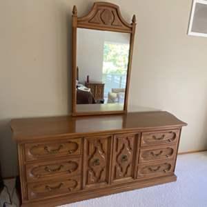 Lot # 180 Dresser With Mirror