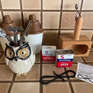 Lot # 241 Lot of Kitchen Items - Spices, Mug Clip, Utensil Holder, Bagel Cutter, Etc.