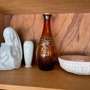Lot # 309 Lot of Vases and A Bowl