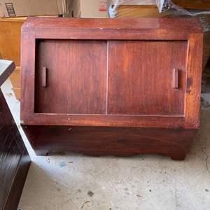 Lot # 323 Sliding Wood Toy Box