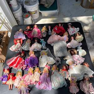 Lot # 324 Lot of Story Book Dolls