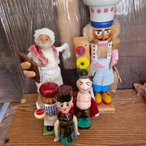 Lot # 347 Lot of Figurines