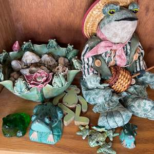 Lot # 350 Lot of Frog Figurines