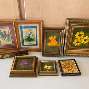 Lot # 388 Floral Themed Prints and Decorations