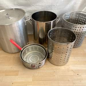 Lot # 39 Lot of Large Cookware