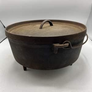 Lot # 46 Cast Iron Dutch Oven / Camp Pot