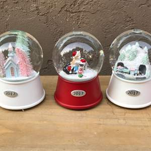 Lot # 57 Threshold Musical Snow Globe 2017 Lot - Train, Cats, and Building