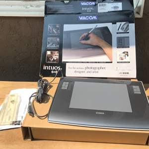 Lot # 78 Wacom Intuos 3 6x8 USB Pen Tablet-Untested