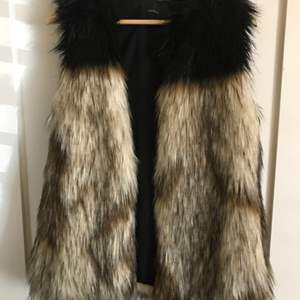 Lot # 82  TALULA Faux Fur Vest XXS