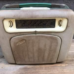 Lot # 85 Vintage  Metz Radio Turntable - Wont Power On