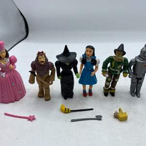 042 - Lot of Wizard of Oz Action Figures