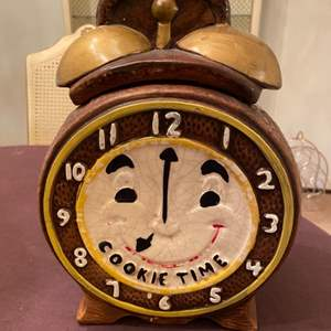 """Lot # 71 Cookie Jar with Happy Clock Design, """"Cookie Time"""""""