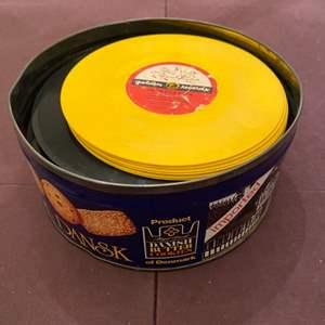 Lot # 84 Small Vinyls in Cookie Tin - Disneyland Themes, Rondo, Etc.