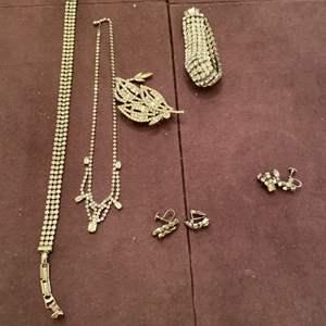 Lot # 142 Matching Jewelry Set