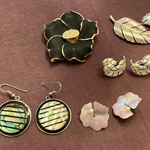 Lot # 173 Lot of Colorful Jewelry, Flower and Feather Themed
