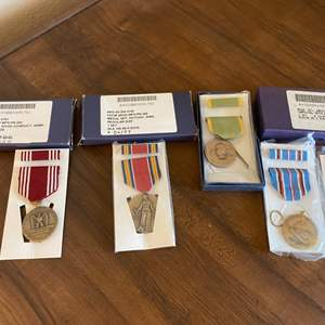 Lot # 182 Lot of Army Metals