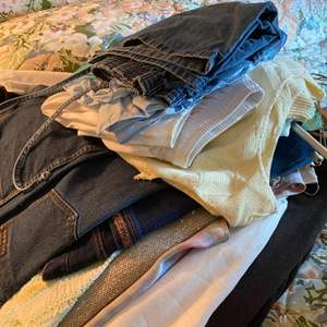 Lot # 194 Mixed Lot of Clothes (Generally Size M or 10)