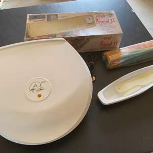 Lot # 210 Lot of Kitchen Items - Small Electric Grill (Signed), Seal-A-Meal, etc.
