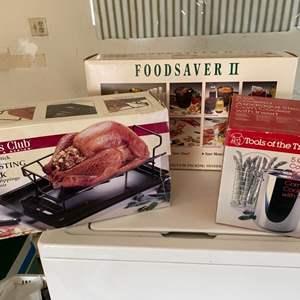 Lot # 229 Lot of Kitchen Gadgets - Vacuum Sealer for Food, Roasting Rack, Asparagus/Corn Steamer
