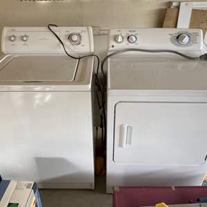 Lot # 246 Washer and Dryer Set