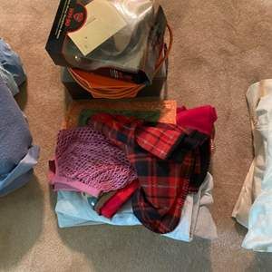 Lot # 253 Mixed Lot: Linens, Safe, Long Cord, Etc.