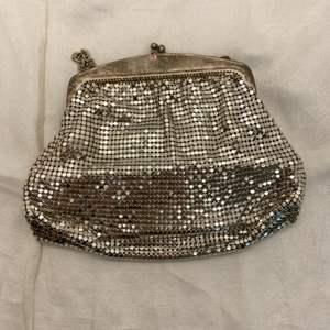 Lot # 21 Vintage Whiting & Davis Mesh Evening Bag