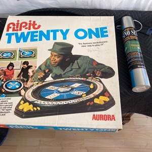 Lot # 34 Lot of Games - FlipIt Twenty One and Casino Set