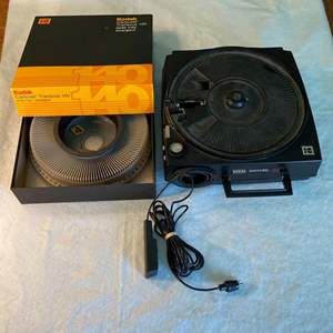 Lot # 18 Kodak Carousel Projector #750H with Tray - POWER ON