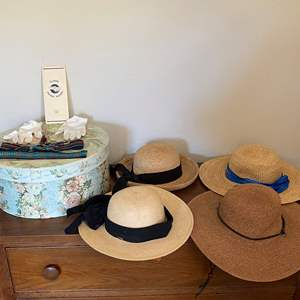 Lot # 38 Lot of Ladies Sun Hats, White Gloves, and Hat Box