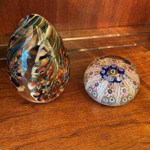 Lot # 74 Lot of Glass Paperweights: Matem Studio Egg and Floral Un-Marked