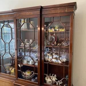 Lot # 86 Baker Furniture Hutch Display Cabinet