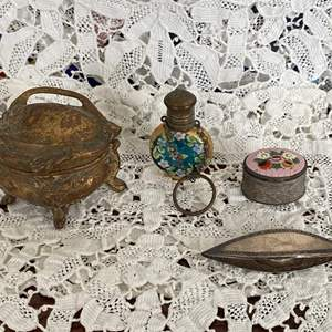 Lot # 117 Lot of Vintage Collectibles: Tatting Tool, Perfume Bottle (?), etc