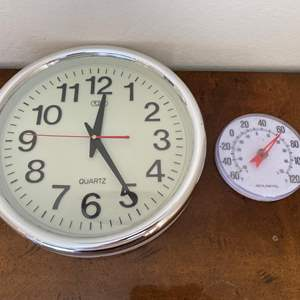 Lot # 135 Lot of Clock and Temperature Gauge UN-TESTED