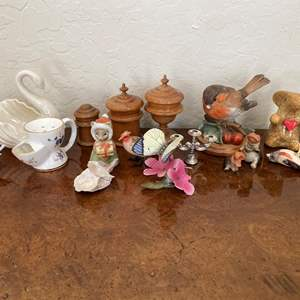 Lot # 139 Lot of Miniature Collectibles