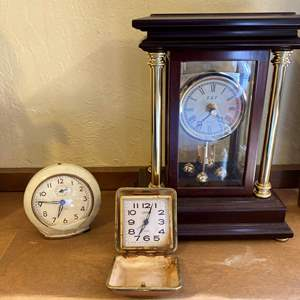 Lot # 218 Lot of E&T Mantle Clock and Vintage Alarm Clocks Un-Tested