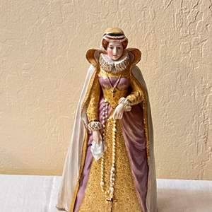 Lot # 233 Mary Queen of Scots Figurine