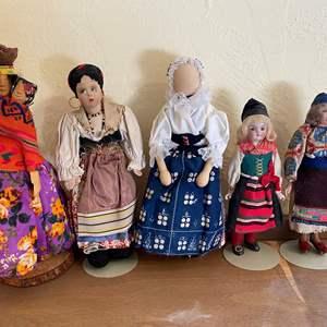 Lot # 238 Lot of Mixed Cultural Dolls