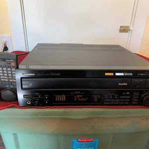 Lot # 269 Pioneer CLD-2090 Reference CD / Laser Disc Player - Powers On/Un-Tested